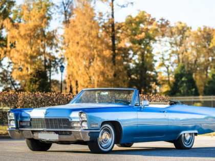 Cadillac DeVille 1968 Blue Sky